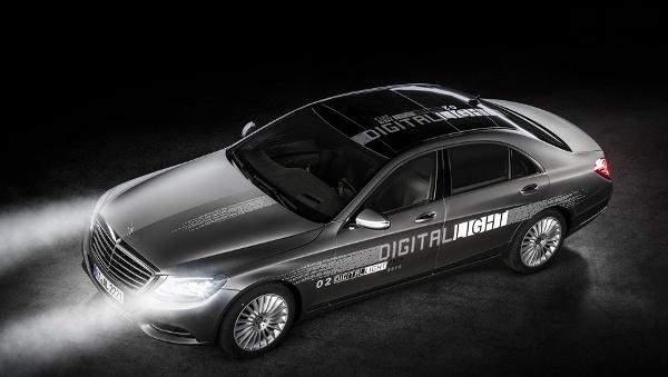 Новаторские фары Digital Light осветят дорогу Мерседесам
