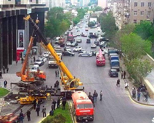В Баку перекрыли загруженный проспект на неопределенное время