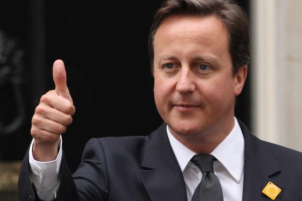 I'll be back – пообещал экс-премьер Кэмерон на видео вместе со Шварценеггером