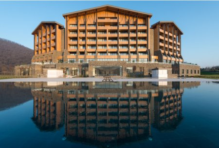 Специальные весенние предложения от Chenot Palace Hotel в Габале