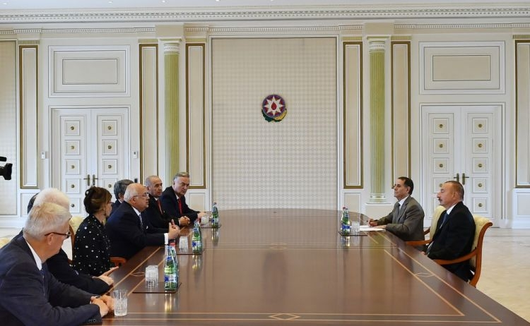 Президент принял бывших глав государств и правительств, участвующих в Глобальном форуме молодых лидеров