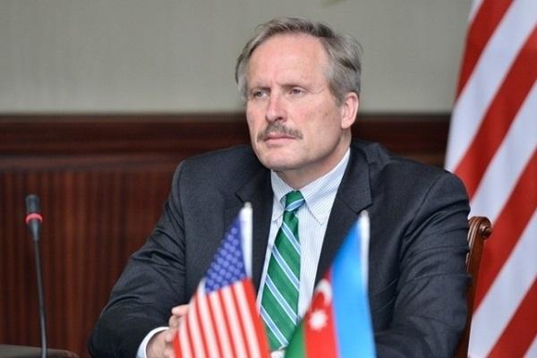Секута уходит с должности посла США в Азербайджане