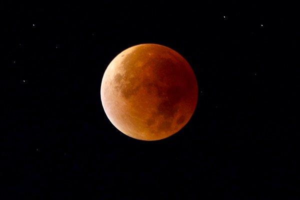 Ученые рассматривают возможность строительства телескопов на Луне