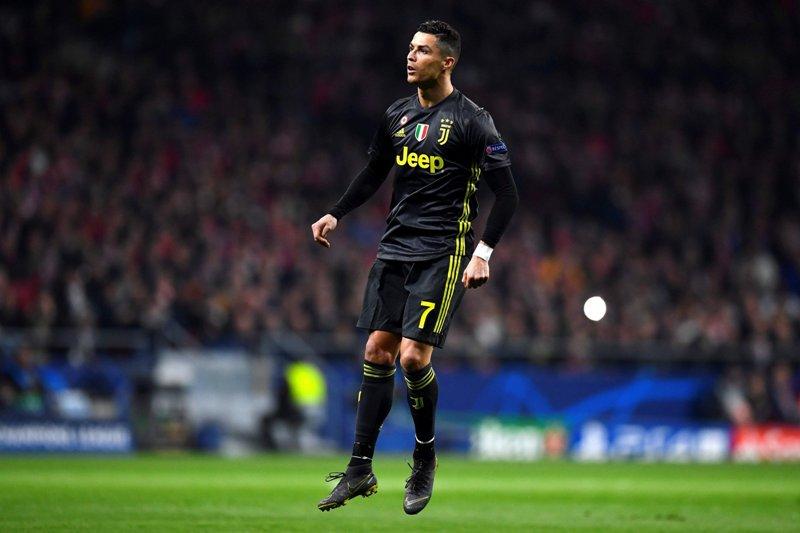 As: «Атлетико» может подать жалобу в УЕФА на Роналду за жест в матче ЛЧ