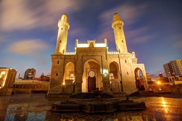 Азербайджан отмечает священный праздник Рамазан